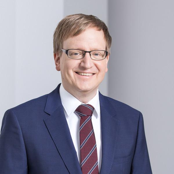 Rechtsanwalt Dr. Dagobert Nitzsche München Corporate Finance M&A Energy Real Estate 2